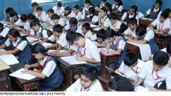 Guj govt in dock over 'Jai Hind' roll call; Opp asks it improve edu quality