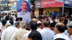 Parrikar's fans line up streets, party office to pay tributes