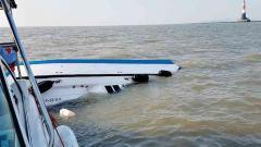 1 drowns as speedboat capsizes in Mumbai